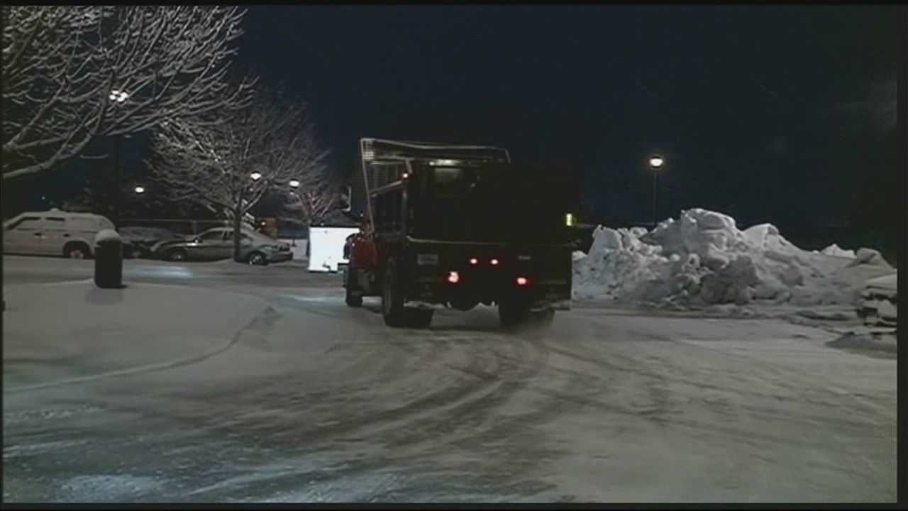 Heavy snow causes rough travel conditions in Indiana