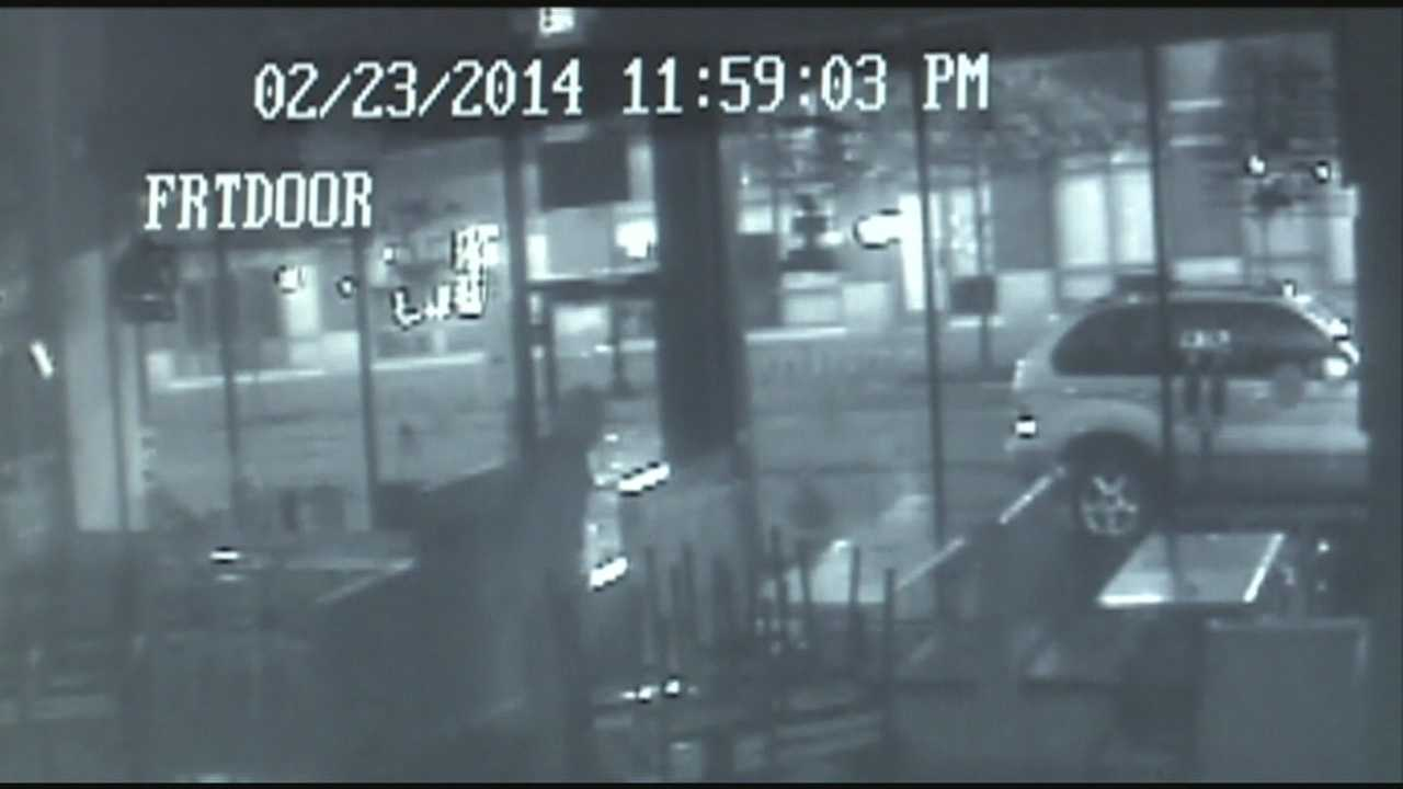 LMPD is working to identify a suspect in the robbery of a downtown pizza restaurant.