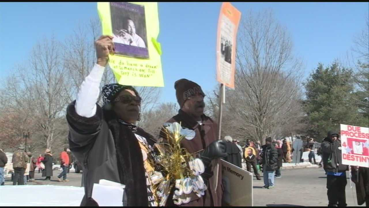Crowds mark 50th anniversary of March on Frankfort