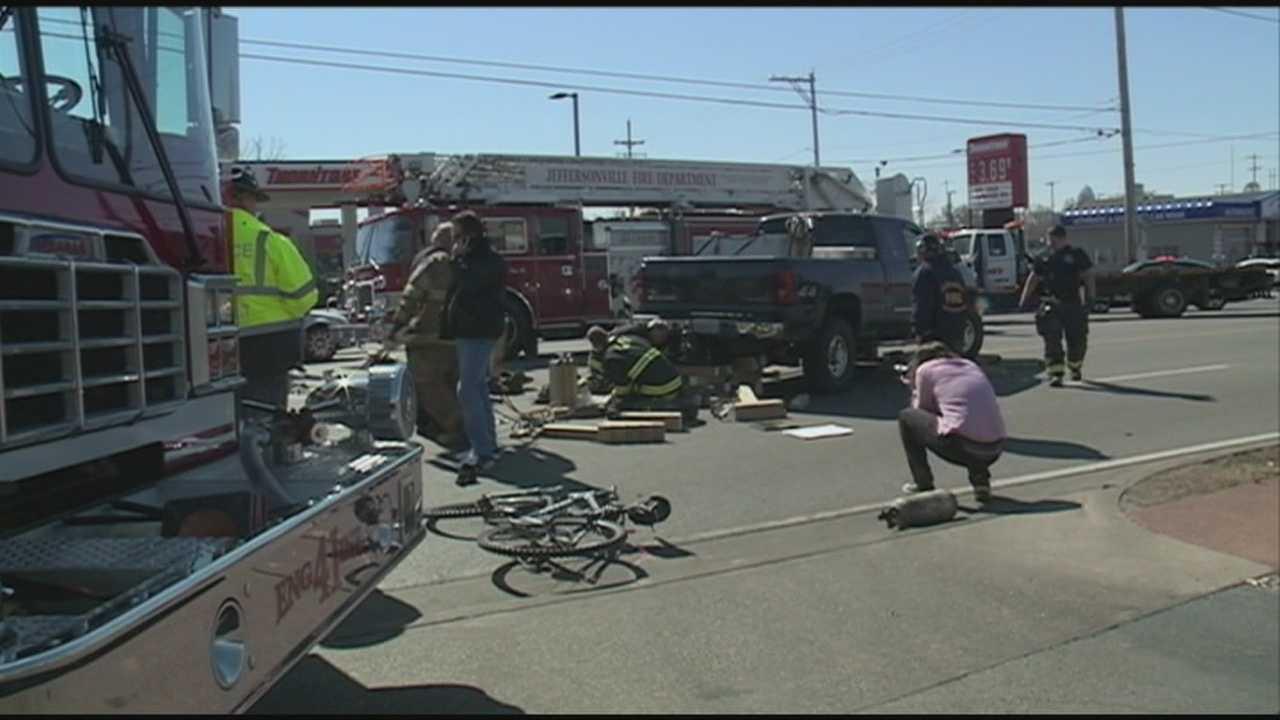 Bicyclist injured in Jefferson crash
