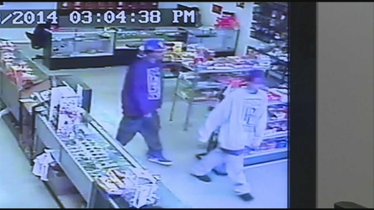 Store owner helps police nab robbers