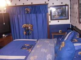UK themed guest bedroom almost done.