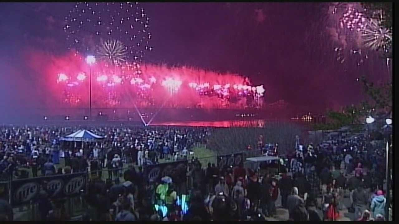 Crews put final touches on Thunder fireworks