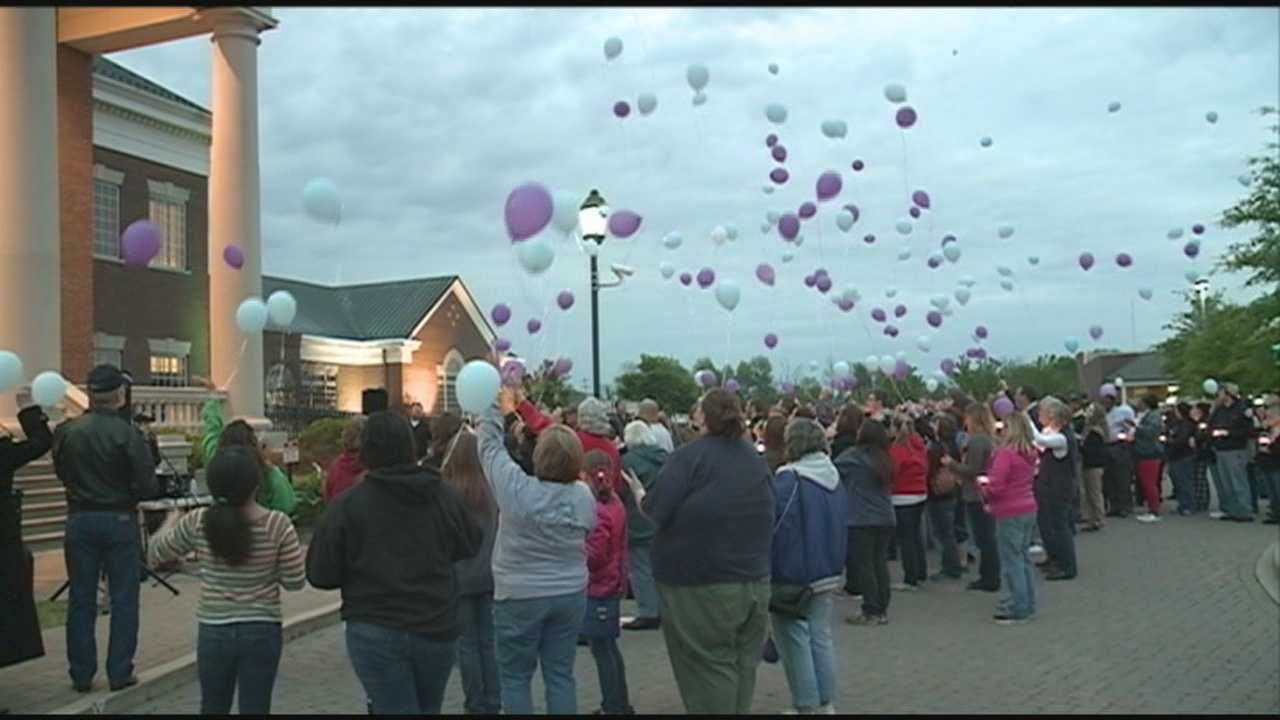 Community vigil held for mother, daughter killed in Nelson Co.