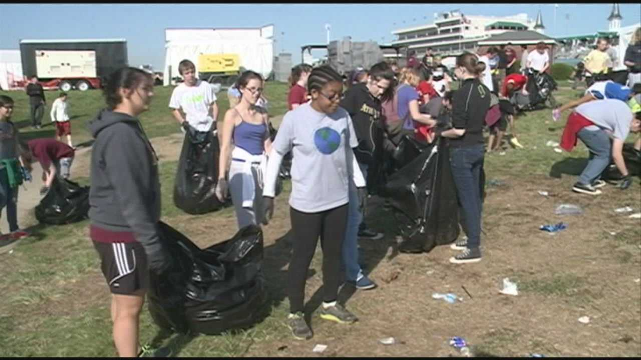 Crews clean up Churchill Downs in wake of Derby 140