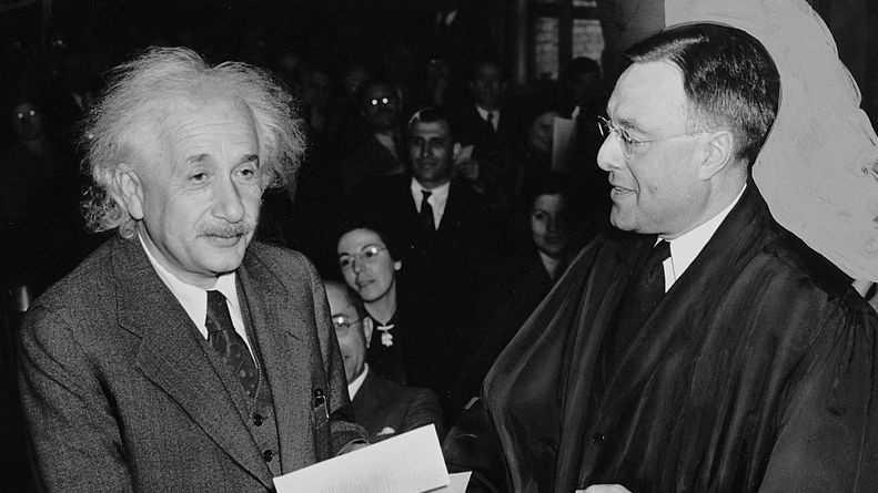 791px-Citizen-Einstein.jpg