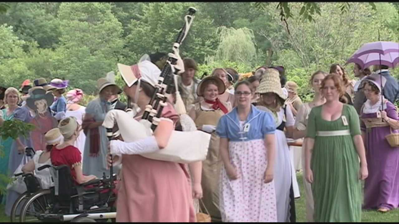 Organizers attempt Guinness World Record at Jane Austen Festival.