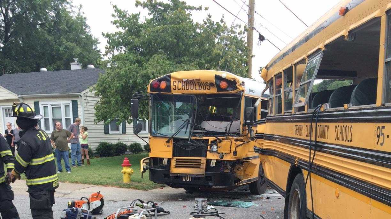 bus crash 1.jpeg