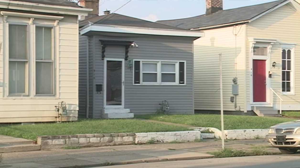 Oak Street home invasion.jpg