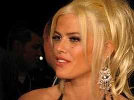 Back By Popular Demand: Anna Nicole Smith Headlines In 2004