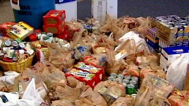 canned food challenge - 25856128