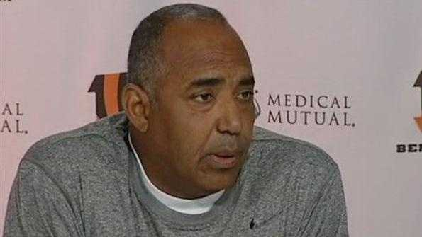 Marvin Lewis - 30947180