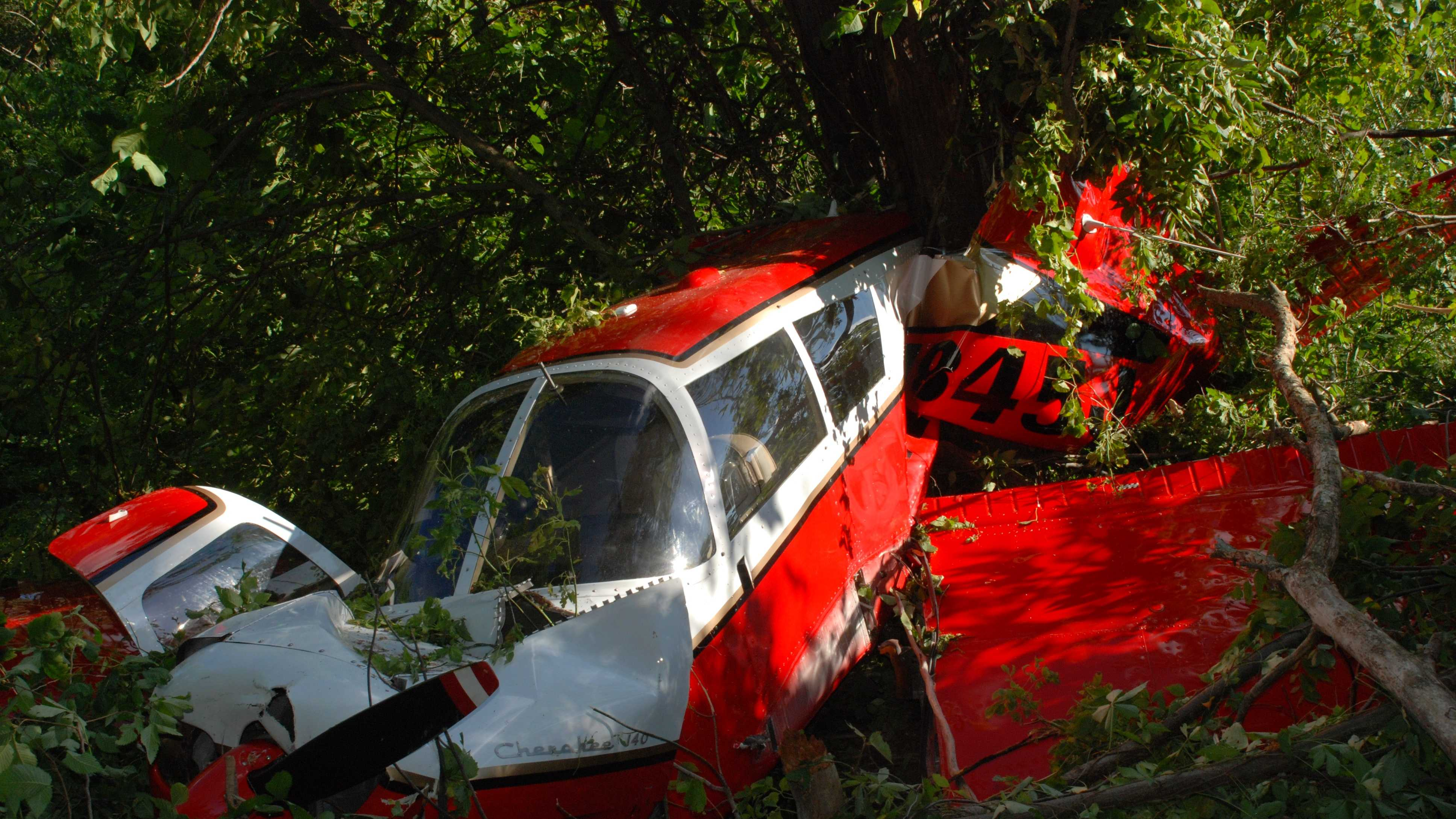 Plane crashes in Highland County