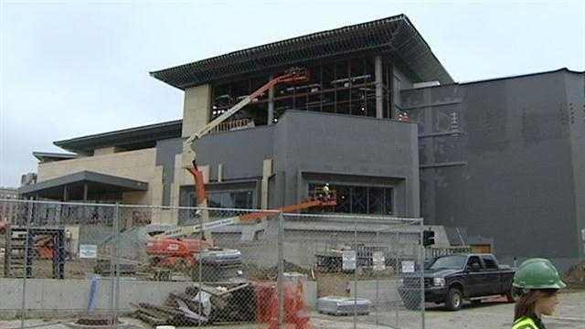 Media sees Horseshoe Casino's progress