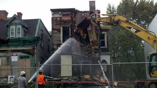 Home demolition (21)