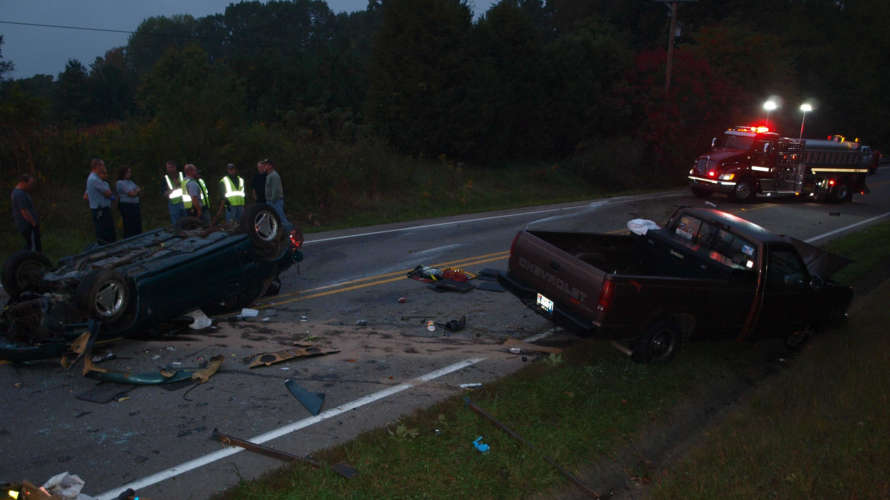 One dead after early morning crash in Jefferson Co.