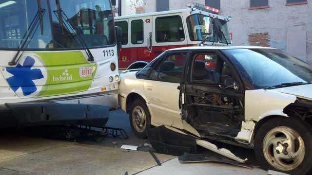 121122 metro accident (4).jpg