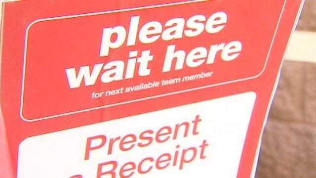 Cincinnati shoppers brave the lines for Black Friday savings