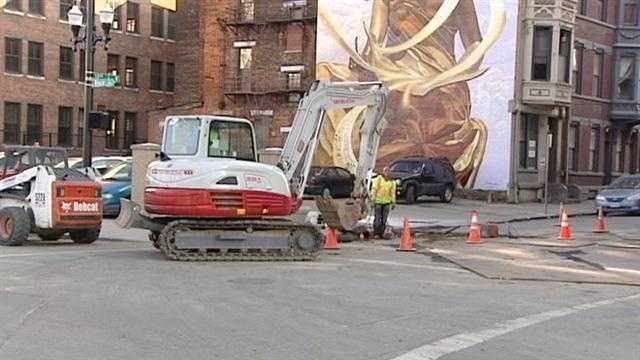 Work under way, but streetcar will be delayed