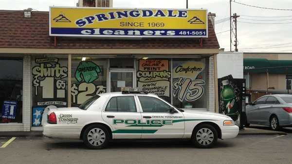 Springdale Cleaners robbed.jpg