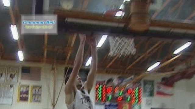 McCormick's slam dunk voted Cincinnati Bell Fastest Play for Dec. 21
