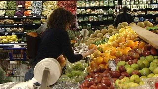 Kroger shoppers look closely at Kroger's 'new low prices'