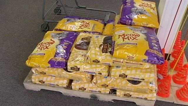 Supplies dwindling at city's pet food pantry