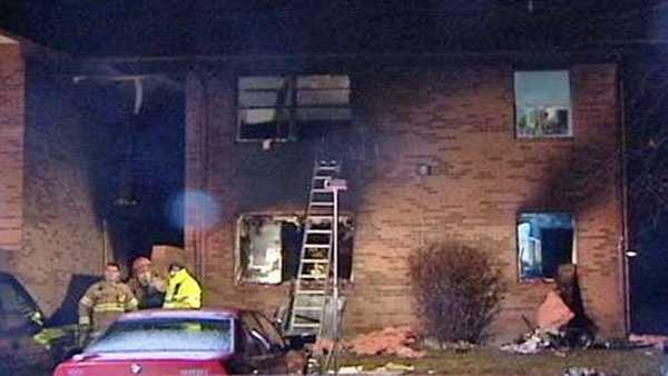 130228-Walton townhome fire.jpg