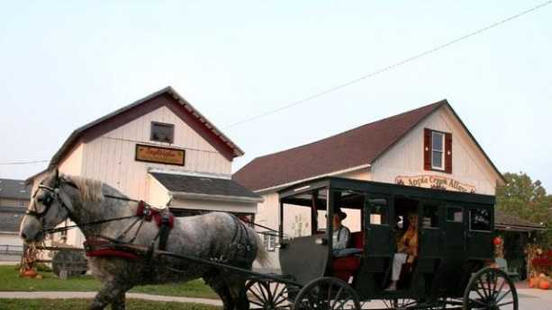 Amish-country--Shipshewana--Indiana---20968458.jpg