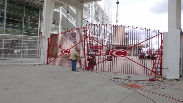 032713 reds preview (21).JPG