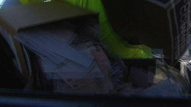Thousands bring documents to annual Shred Day