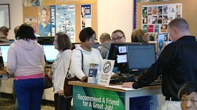 Online retailer hiring for hundreds of temporary positions