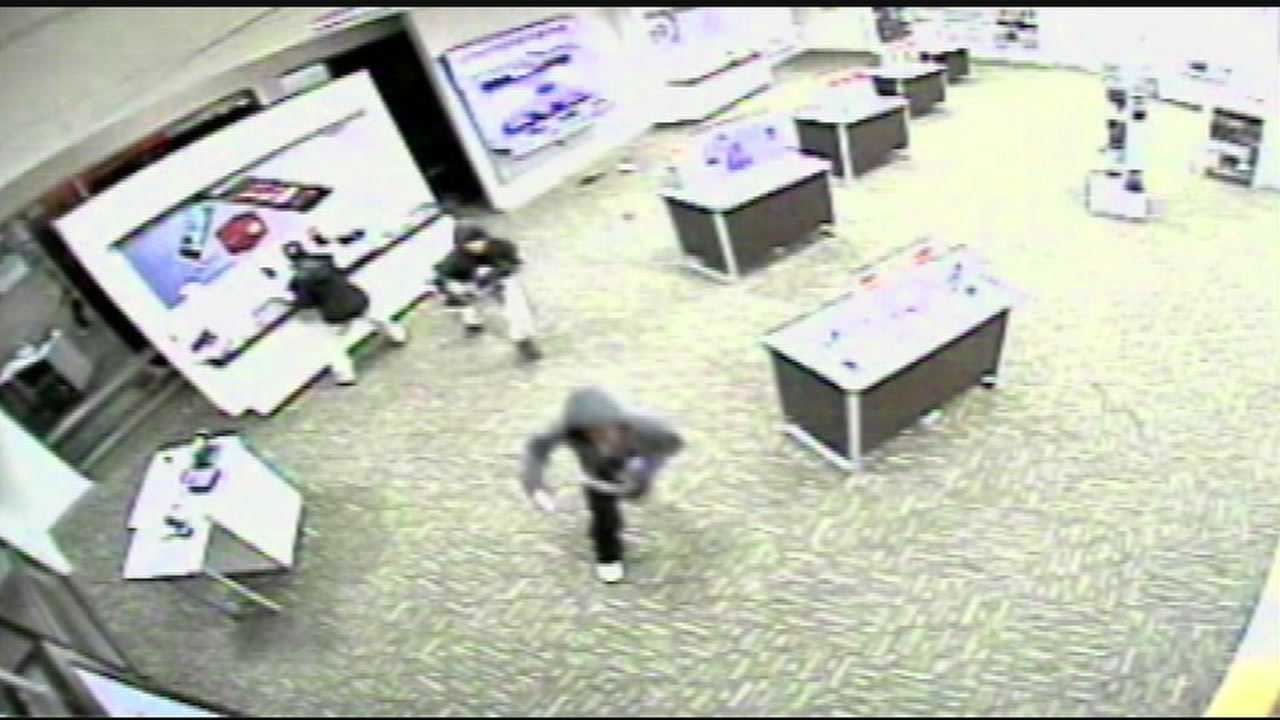 Smash And Grabs Target Cell Phone Stores
