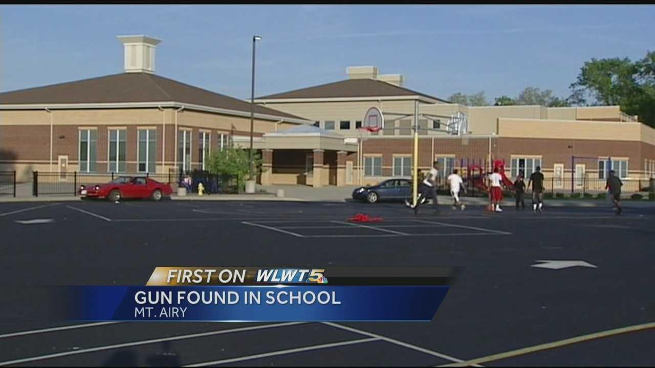 Police: Teen brought gun to Mt. Airy school