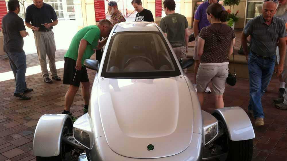 Elio car (2).jpg