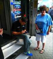 Ricky Steinhouse visits fans in Louisville