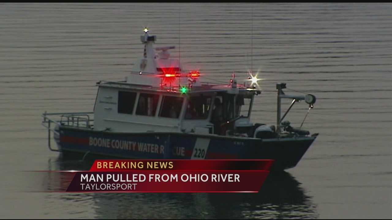Vehicle sinks into river near Boone Co. boat ramp, man hospitalized