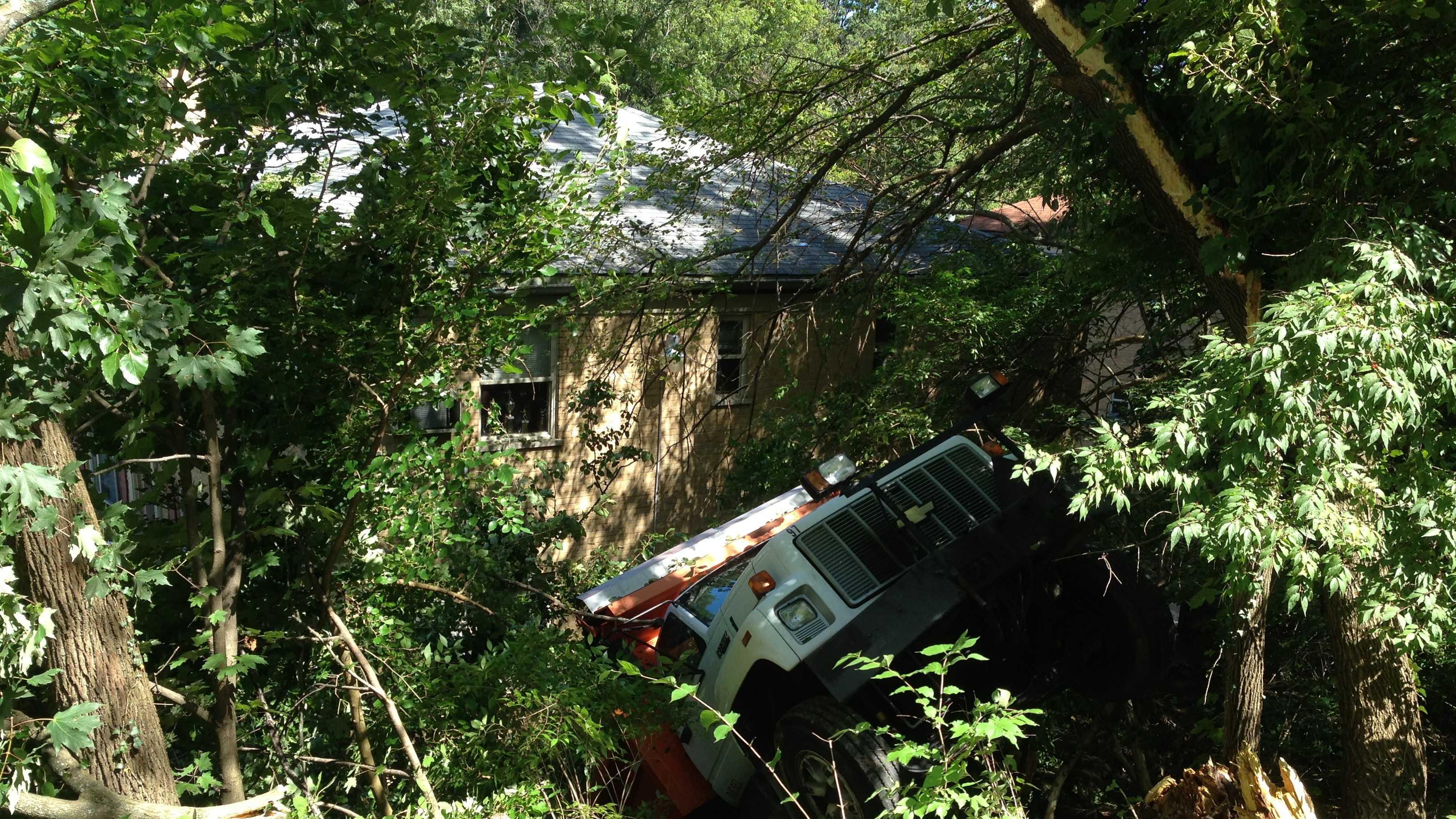 Dump truck crash (3).jpg