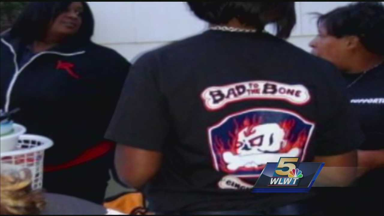Group unhappy after casino ejects them over T-shirts