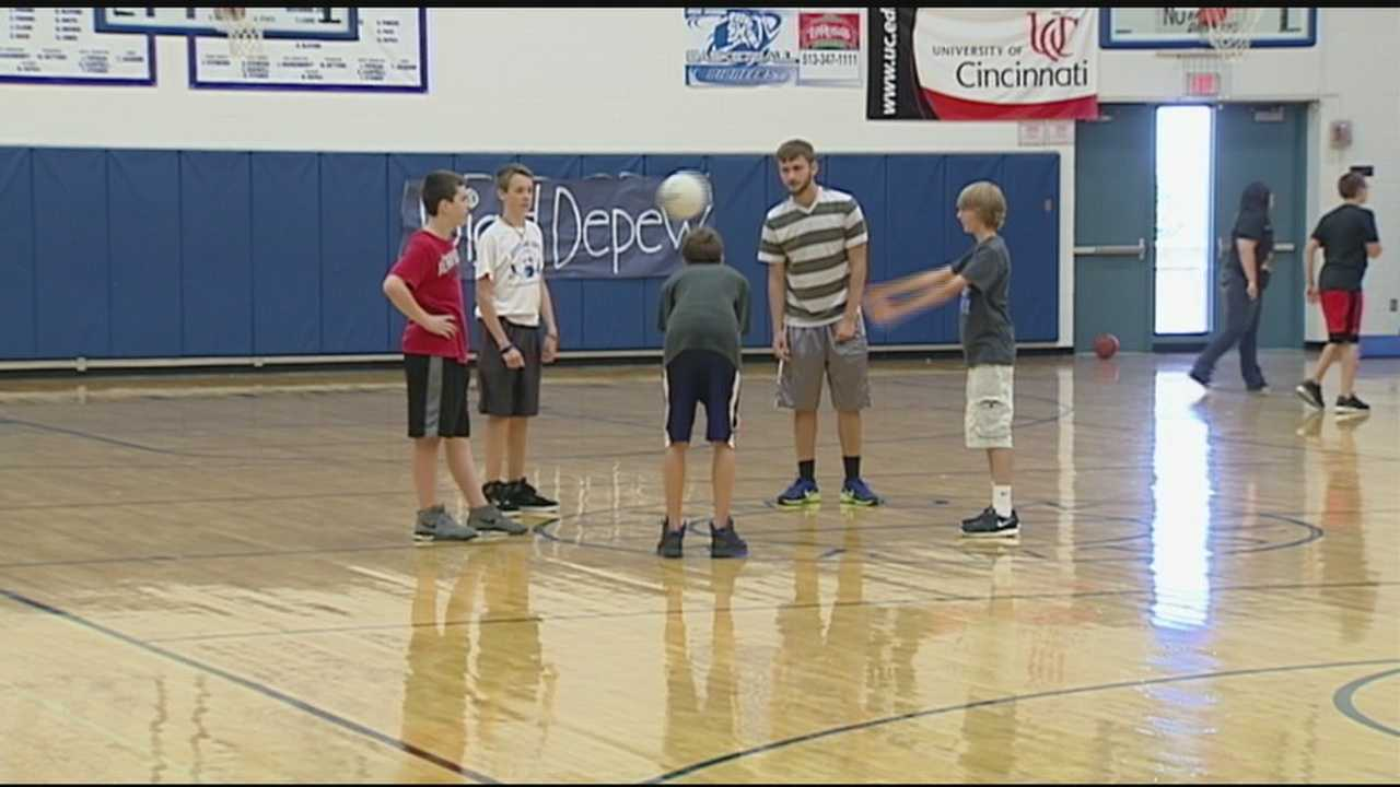 Ky. players say they will shake hands, despite new rule