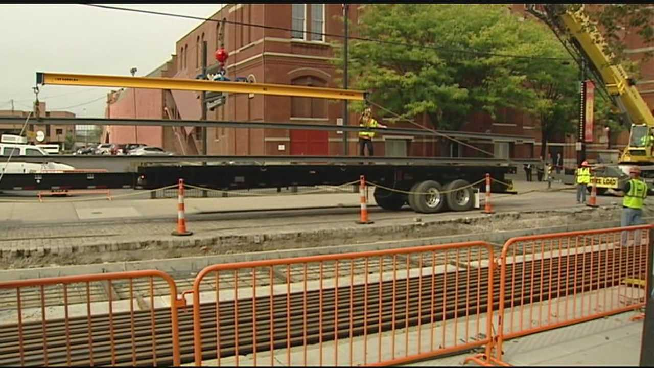 80-foot rails laid down in streetcar project Tuesday