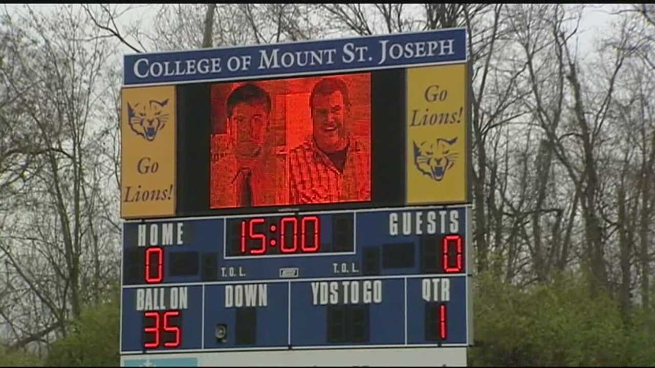 Football players killed in crash honored at game