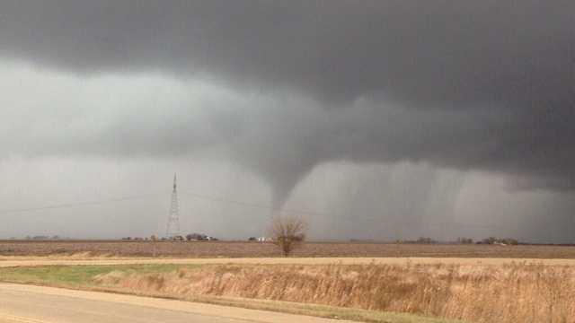 Tornado near Washington Illinois