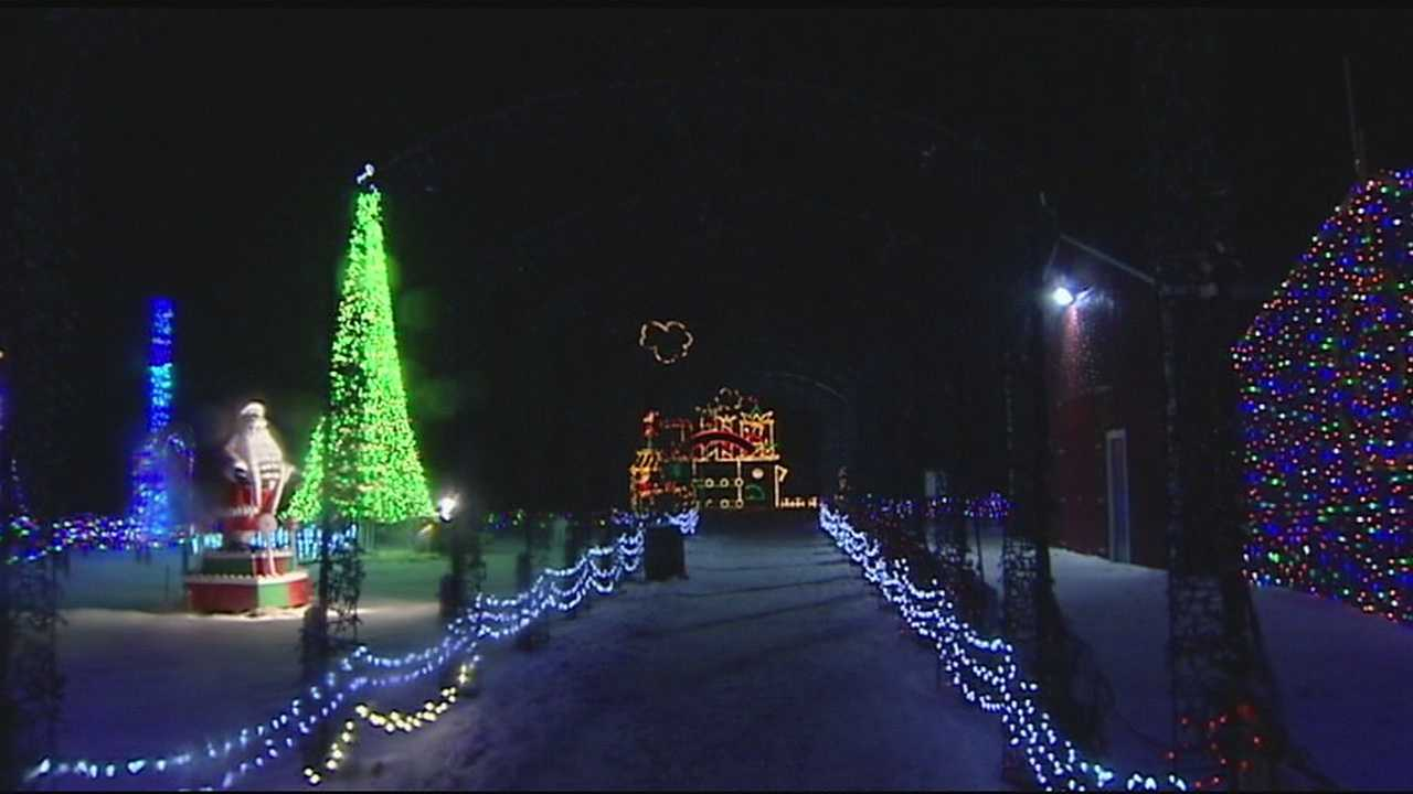Holiday light displays help good causes