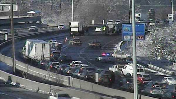 I-71 Red Bank truck loses load.jpg