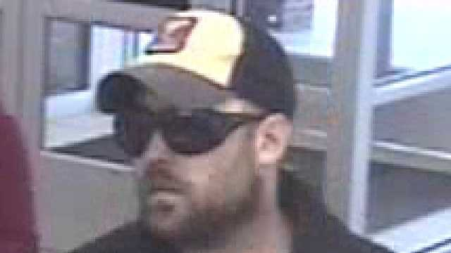 011114 bank robber 640x360