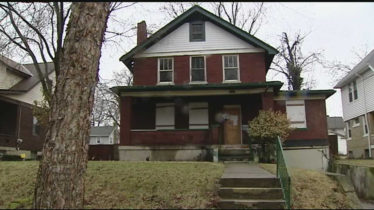 The program requires lenders to register foreclosed vacant properties with the city and maintain them.