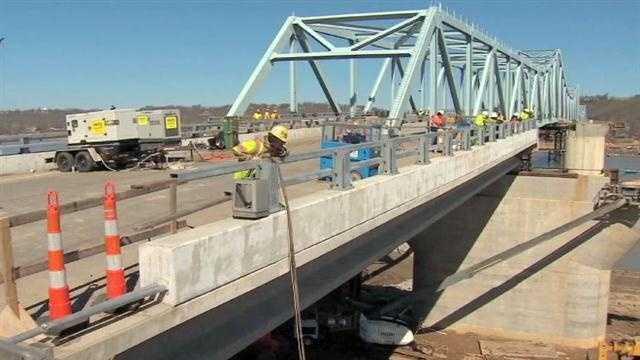 Time lapse: Milton-Madison Bridge slides into place
