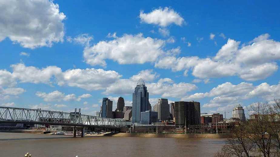Cincinnati skyline early spring.jpg