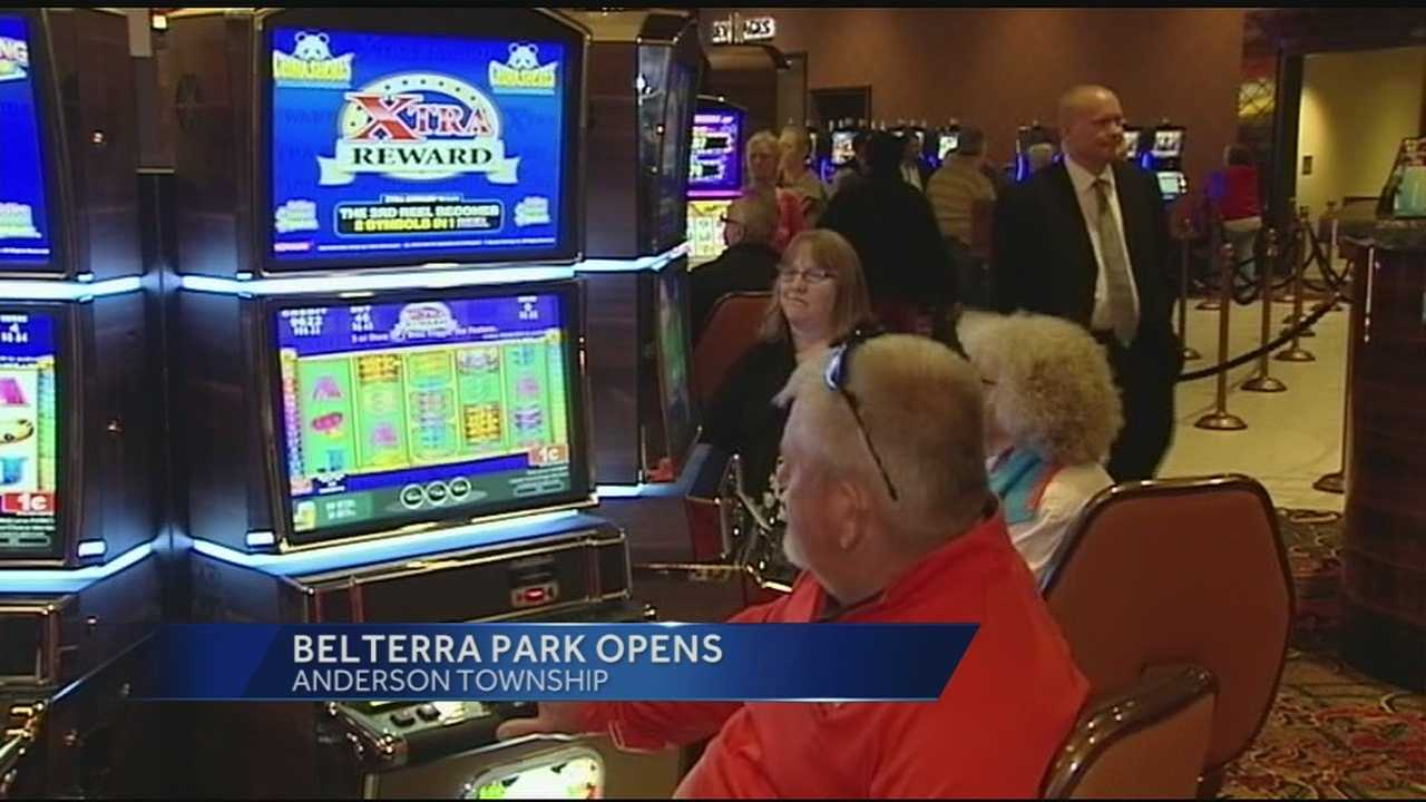 The new facility has 1,500 video lottery terminals, six restaurants and the traditional racetrack.